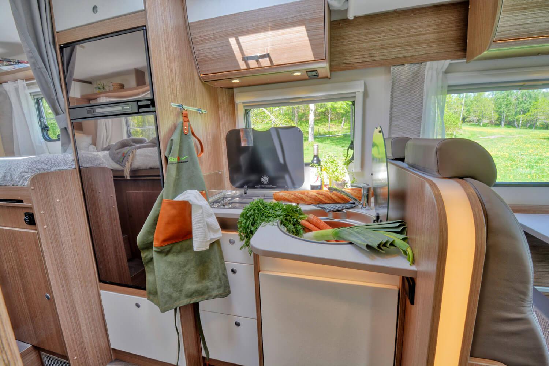 SkandiTrip petit camping car comfortable bed room